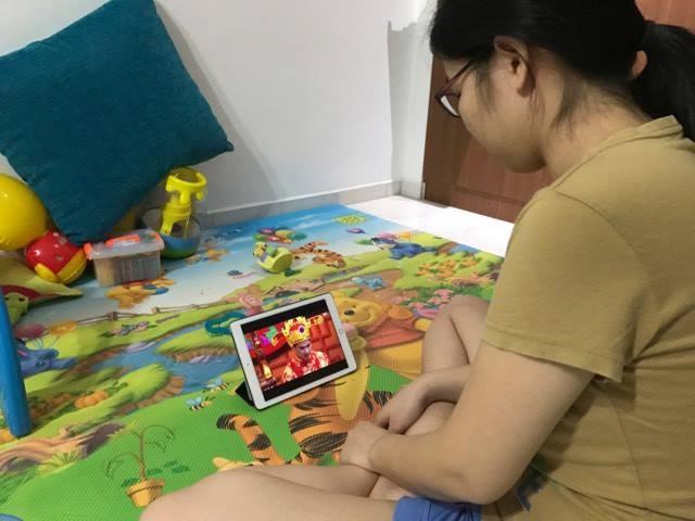 Nguoi Viet o Singapore xem Tao quan qua iPad hinh anh