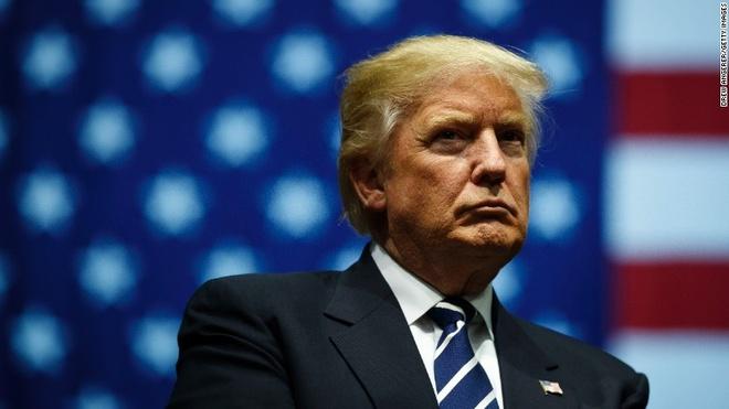 Thua kien toa phuc tham vu lenh cam nhap cu, Trump noi gian hinh anh