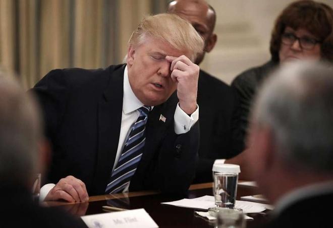 4 lua chon cua Trump sau khi toa bac lenh cam nhap cu hinh anh