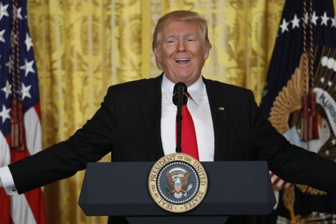 Trump va mot thang dieu hanh kieu 'chinh tri du kich' hinh anh