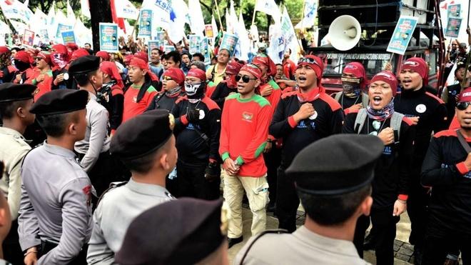 Indonesia: 4 nguoi giau hon ca 100 trieu nguoi ngheo nhat hinh anh 1