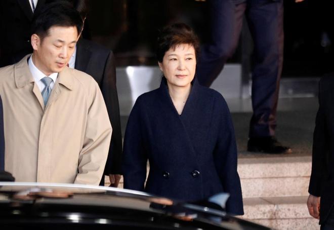 Ba Park Geun Hye ve nha sau 22 tieng bi tham van hinh anh