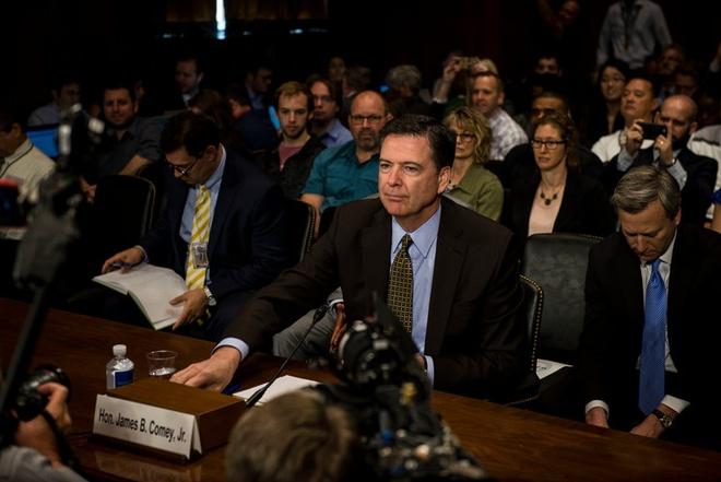 NYT: Trump doi giam doc FBI dung dieu tra tuong Flynn hinh anh 1
