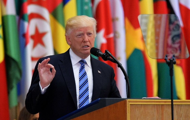 TT Trump: Iran vinh vien khong duoc co vu khi hat nhan hinh anh