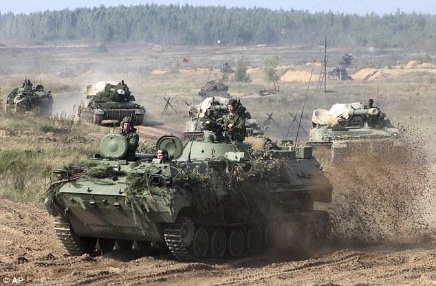 12.700 binh si, 250 xe tang Nga bat dau tap tran lon nhat nam hinh anh