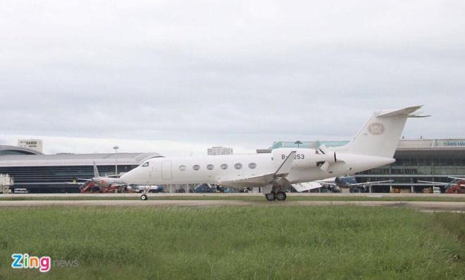 'Ngua tho' C-130 dua xe cua tong thong Han Quoc den Da Nang hinh anh 13