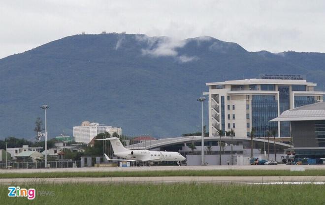 'Ngua tho' C-130 dua xe cua tong thong Han Quoc den Da Nang hinh anh 14