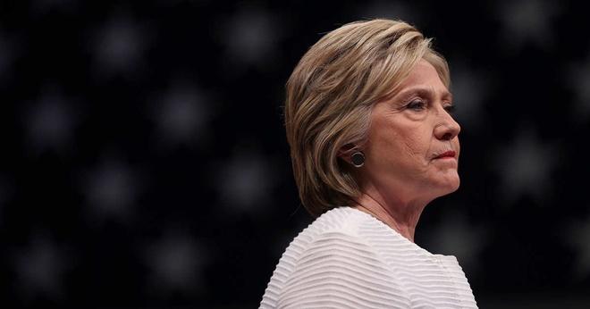 Quy cua vo chong Clinton lai bi dieu tra hinh anh