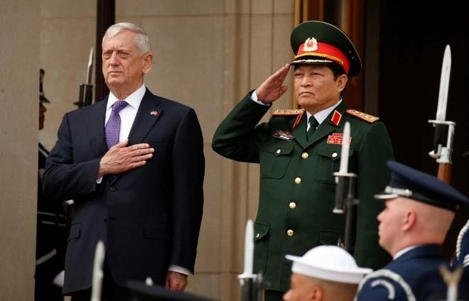 'Tau san bay My co the tham Viet Nam vao thang 3' hinh anh 1