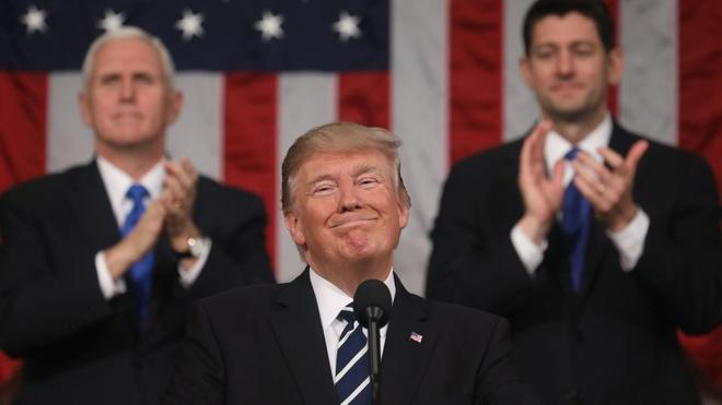 Trump muon 'lam lai tu dau' sau 1 nam hon loan? hinh anh
