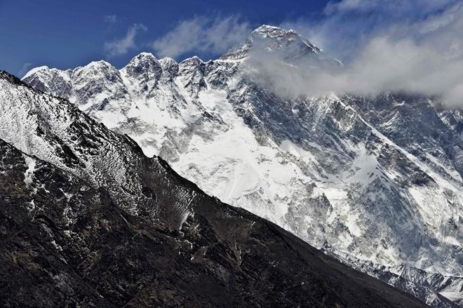 Trung Quoc bi cao buoc 'thay doi' chieu cao dinh Everest hinh anh 1