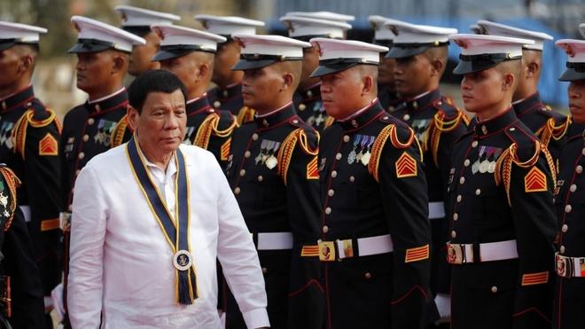 Philippines doa chien tranh neu TQ vuot 'lan ranh do' o Bien Dong hinh anh