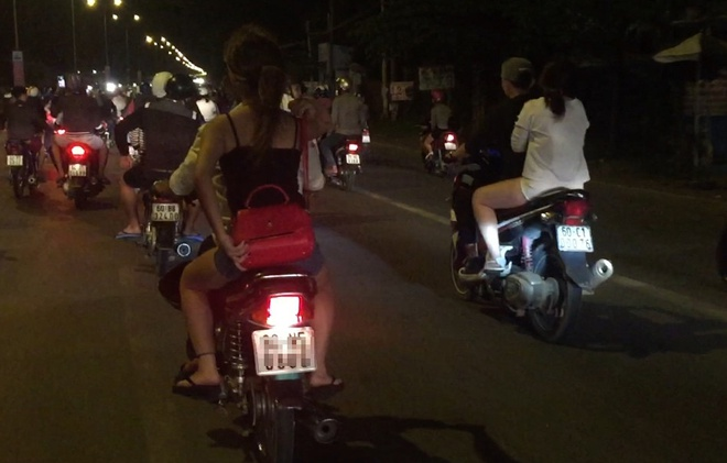 Bong hong lieu mang cung quai xe tung hoanh quoc lo 51 hinh anh