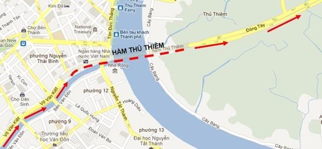 Oto noi duoi truoc cua ham Thu Thiem sau tai nan lien hoan hinh anh 3