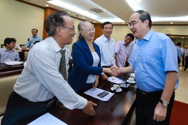 Bi thu Nguyen Thien Nhan: TP.HCM dang o dau? hinh anh 1