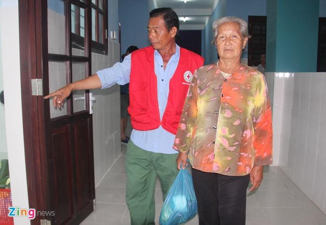 TP.HCM: So tan 700 nguoi dan xa dao Thanh An den noi tranh bao so 12 hinh anh