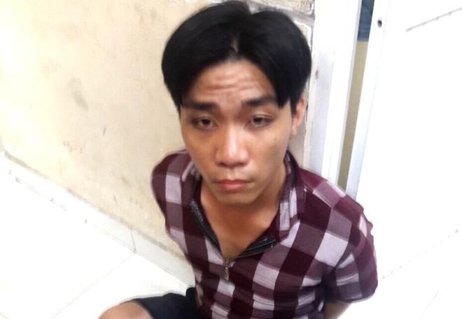 Doi canh sat hinh su dac nhiem Huong Nam bat nghi can trom 2 iPhone hinh anh