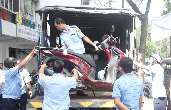 Tieu thuong Sai Gon phat hoang khi ong Doan Ngoc Hai lai dep via he hinh anh 1