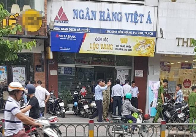Cuop tien ty tai chi nhanh Ngan hang Viet A o Sai Gon hinh anh
