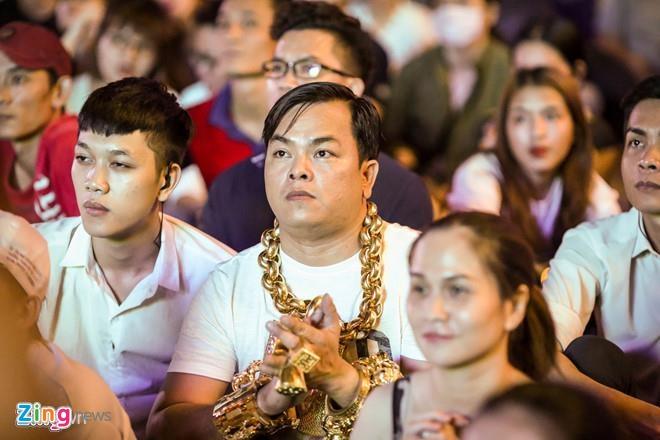 Chu tich quan 12 Le Truong Hai Hieu noi ve quan karaoke cua Phuc XO hinh anh 2