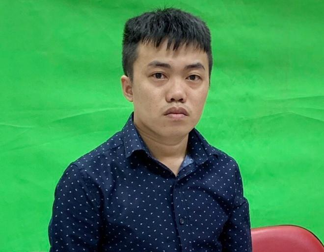 Nguyen Thai Luyen chung kien canh sat kham xet Alibaba den giua khuya hinh anh 3