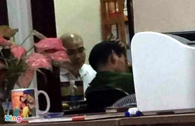 Nguyen Thai Luyen chung kien canh sat kham xet Alibaba den giua khuya hinh anh 1
