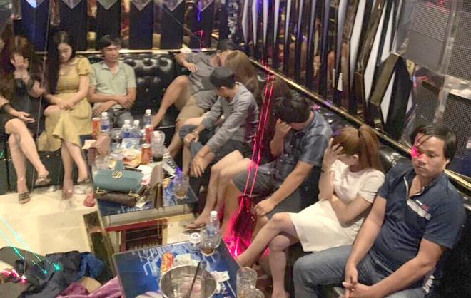 Hon 20 khach du tiec ma tuy trong quan karaoke 'chui' hinh anh 1 ma_tuy.jpg
