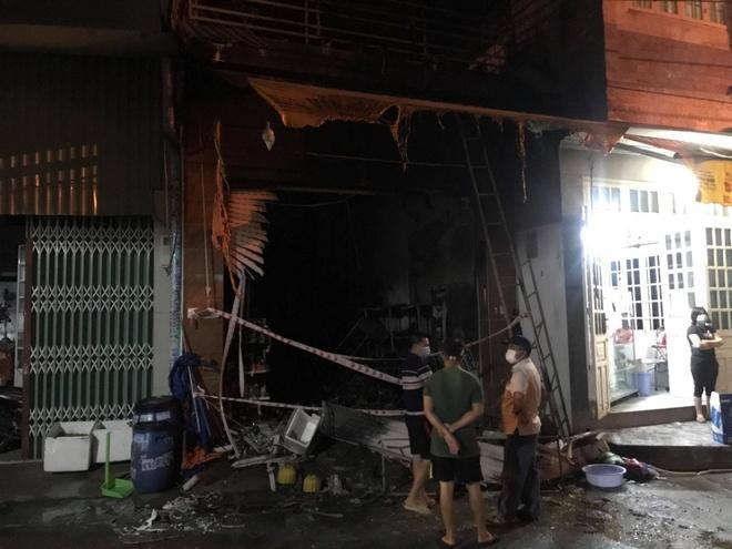 Cháy cửa hàng tạp hóa, 5 người tử vong ở Bình Dương - Xã hội - ZINGNEWS.VN