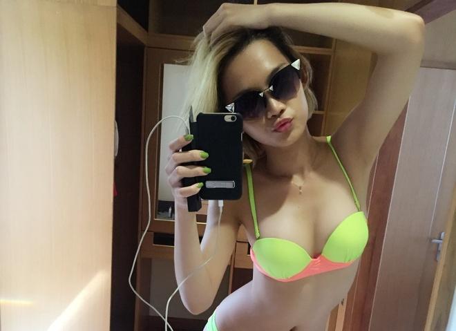 DJ King Lady dien bikini di bien cung dong doi The Remix hinh anh