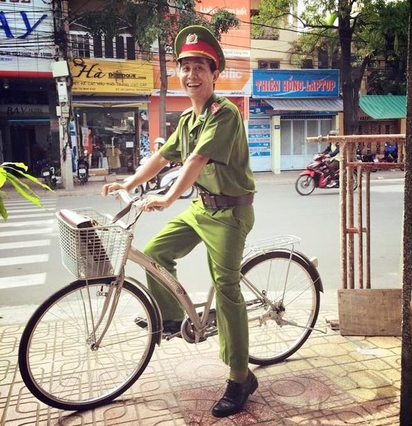 Chu Cong An Hai Huoc Bat Ngo Noi Tieng Tren Mang Hinh Anh 1