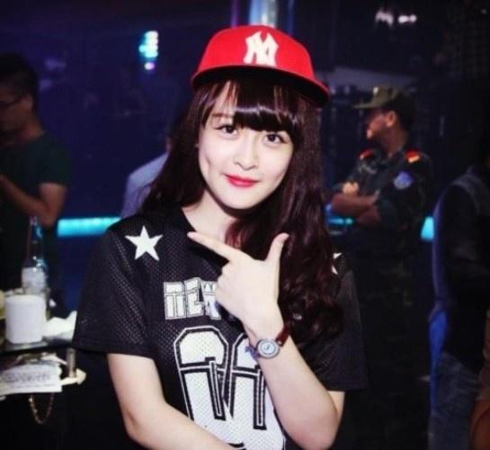 Hot girl Hai Phong co phong cach thoi trang sanh dieu hinh anh