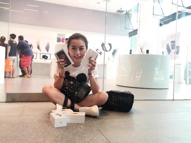 DJ Quynh Nhi xep hang 25 tieng mua iPhone 6S hinh anh 3