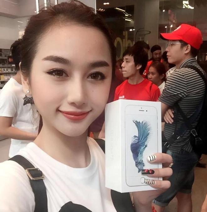 DJ Quynh Nhi xep hang 25 tieng mua iPhone 6S hinh anh 1