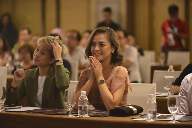 MC Minh Ha ne giao luu voi Thu Quynh va doan lam phim 'Ve nha di con'? hinh anh 1