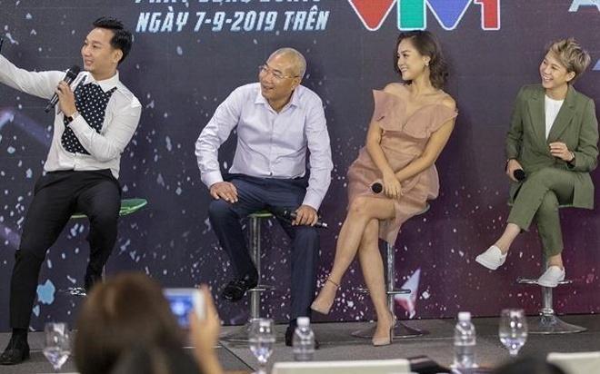 MC Minh Ha ne giao luu voi Thu Quynh va doan lam phim 'Ve nha di con'? hinh anh 2