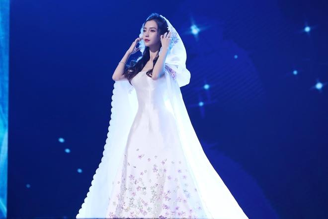 Huynh Hieu Minh va Angelababy gop 200.000 nhan dan te cho Vu Han anh 2