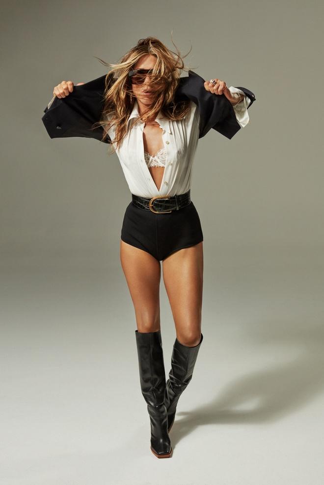 Jennifer Aniston goi cam o tuoi 51 hinh anh 2 Interview_Digital_Web_2020_March_Jennifer_Aniston_05.jpg