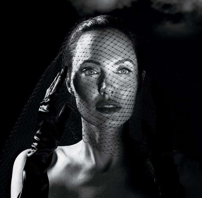 Angelina Jolie: Chieu tro hay su that? hinh anh