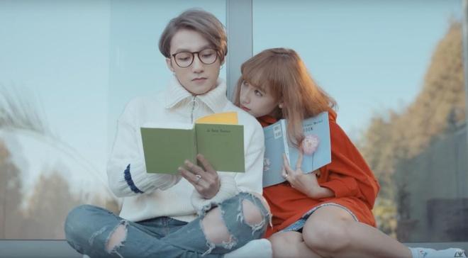 MV thoi YouTube: Co may luan chuyen am nhac di khap the gioi hinh anh