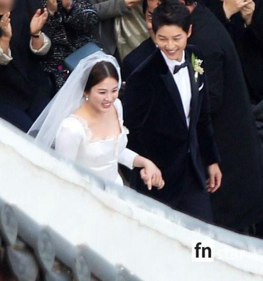 Le cuoi Song Hye Kyo - Song Joong Ki dan dau top xu huong the gioi hinh anh 2