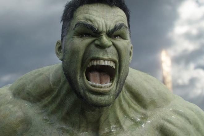 Vi sao khong lo xanh Hulk lai 'thong minh dot xuat' trong 'Thor 3'? hinh anh