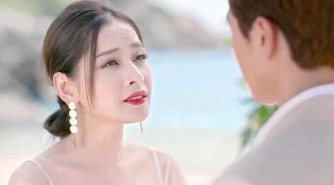 Bang chung Ninh Duong Lan Ngoc khong cuop vai cua Angela Phuong Trinh hinh anh 2