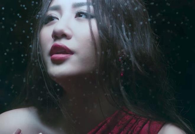MV vua ra mat cua Van Mai Huong bi fan Chi Pu 'dislike', to dua hoi hinh anh 1