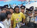 Ronaldinho: 'Toi thich su don tiep o day' hinh anh