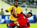 Pato va Neves phat hoa, Brazil - VN: 2-0 hinh anh