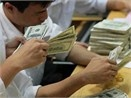 USD giam con 17.690 VND, vang dung gia hinh anh