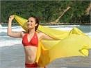 Cao Thuy Duong mac bikini dua song hinh anh
