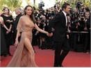 Jolie gay 'soc' ngay lan dau ra mat o Cannes hinh anh