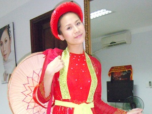 'Kham' va ly Thai Ha truoc luc len duong hinh anh
