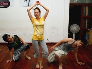 Xem Minh Hang tap vu dao dieu luyen hinh anh
